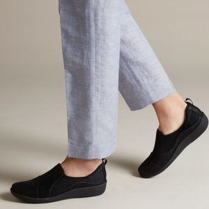 CLARKS Cloudsteppers Sillian Paz Black Shoe